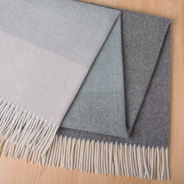 Piha Throw - Pine