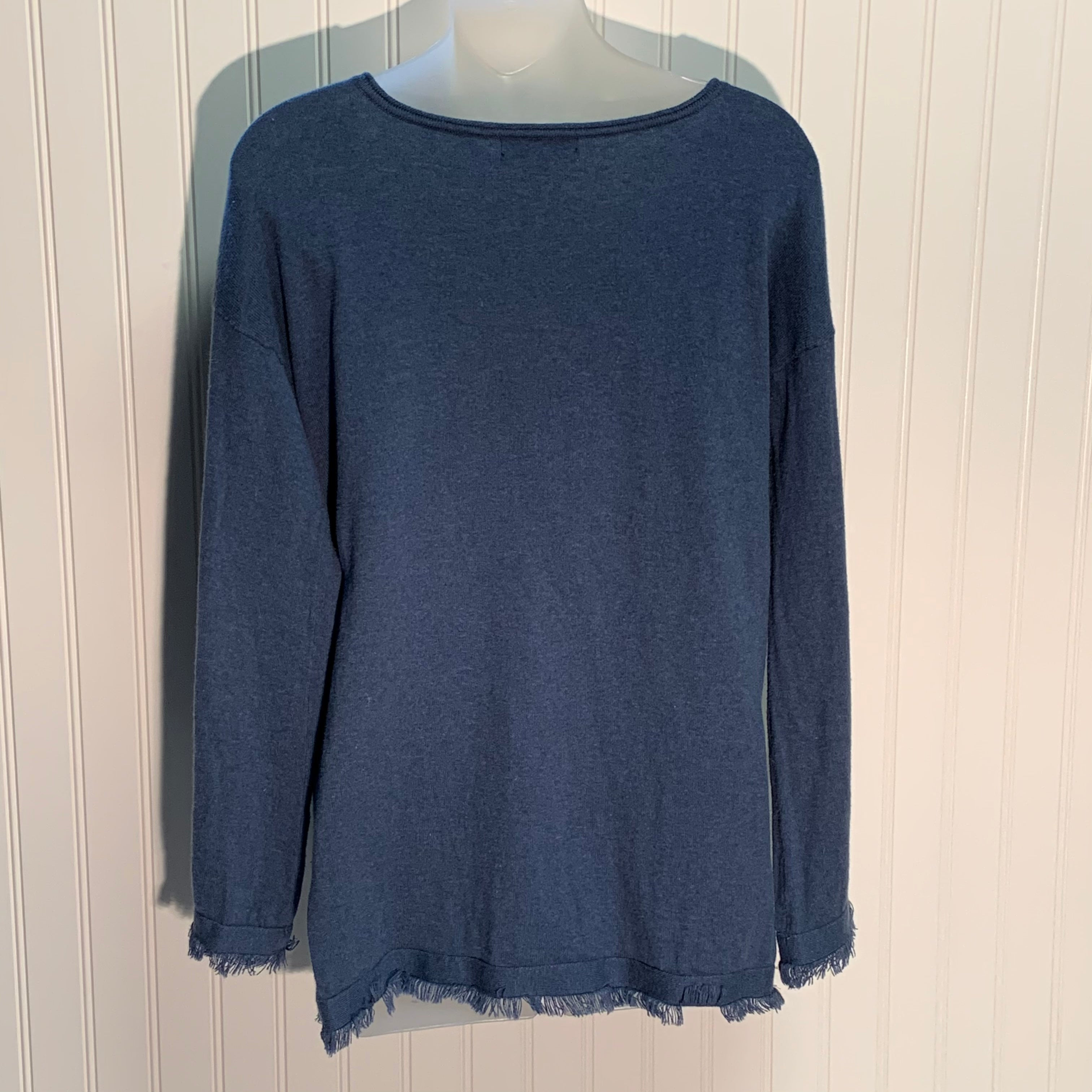 Photo #1 - BRAND: 525 AMERICA <BR>STYLE: SWEATER LIGHTWEIGHT <BR>COLOR: BLUE <BR>SIZE: S <BR>OTHER INFO: 95% COTTON 5 % CASHMERE <BR>SKU: 239-23911-70398