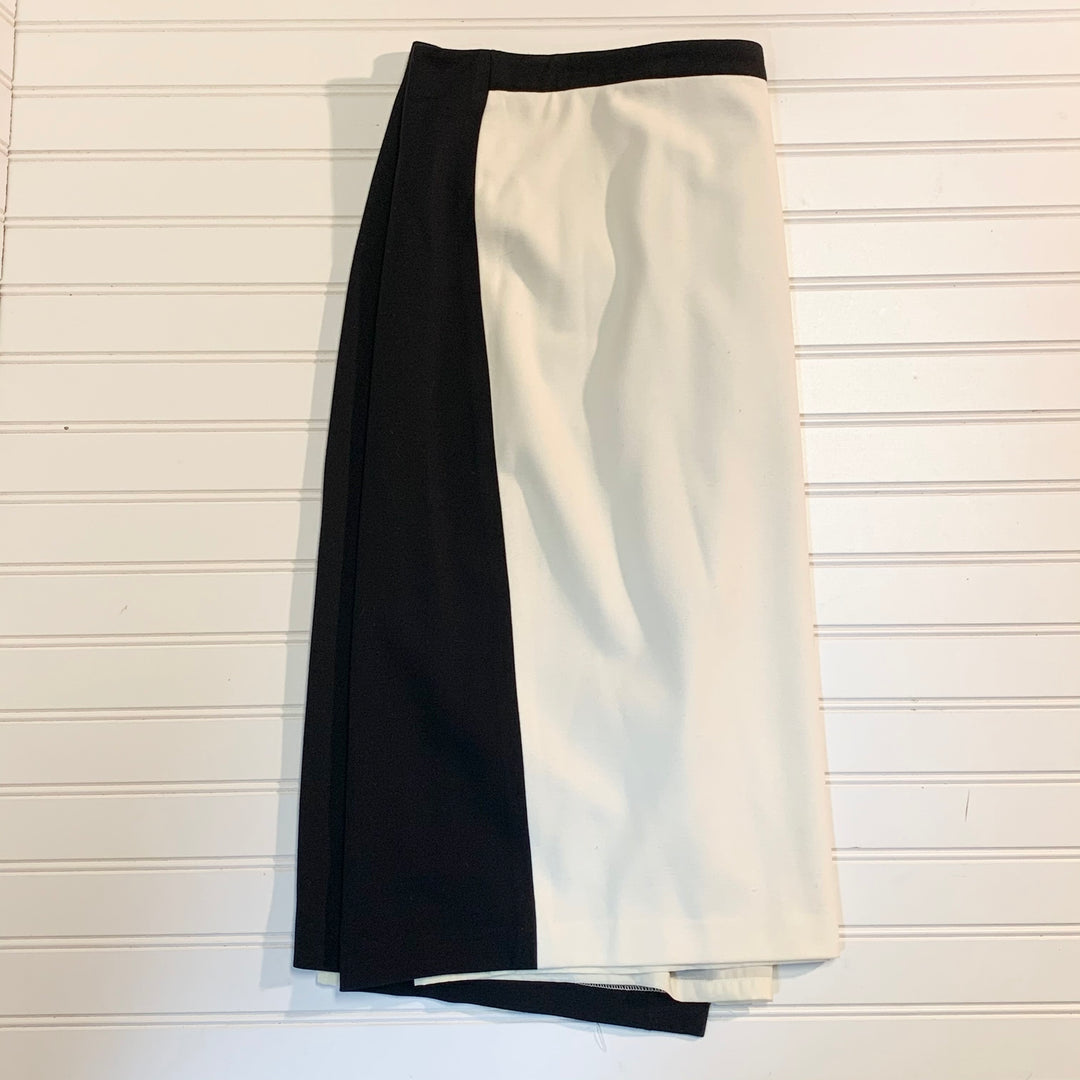 Primary Photo - BRAND: TALBOTS <BR>STYLE: SKIRT <BR>COLOR: BLACK WHITE <BR>SIZE: 20 <BR>SKU: 239-23911-71888<BR>FOLDED IN HALF FOR PHOTOGRAPHING
