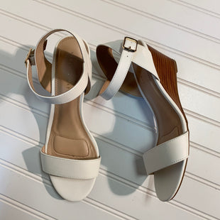 Primary Photo - BRAND: KELLY AND KATIE STYLE: SANDALS LOW COLOR: WHITE SIZE: 9.5 SKU: 239-23911-72471