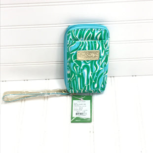 Primary Photo - BRAND: LILLY PULITZER STYLE: ACCESSORY TAG COLOR: BLUE GREEN OTHER INFO: NEW! CARDED ID SMART PHONE WRISTLET RESORT WHITE SKU: 239-23911-73915