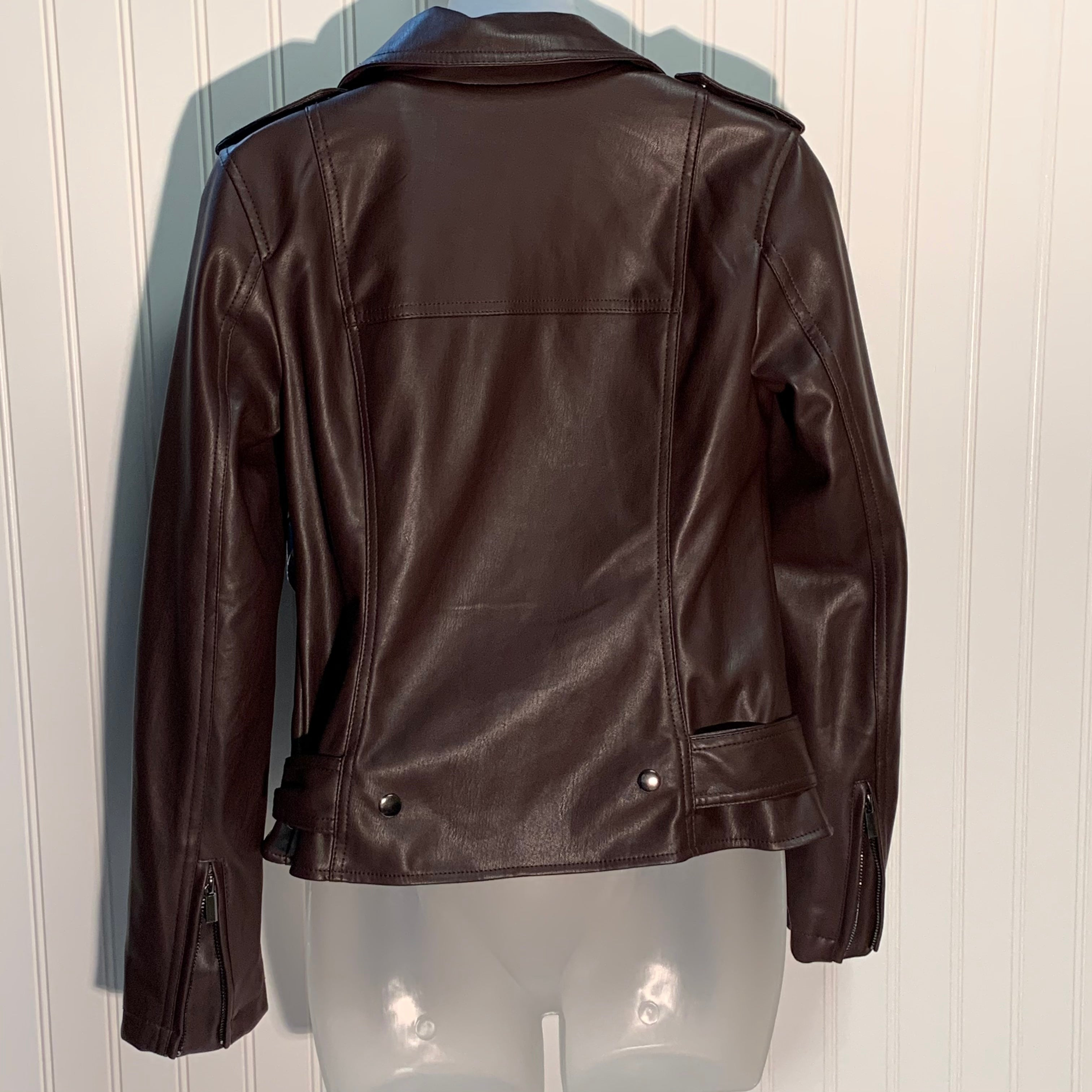 Photo #1 - BRAND:    CLOTHES MENTOR <BR>STYLE: JACKET OUTDOOR <BR>COLOR: CHOCOLATE <BR>SIZE: XS <BR>OTHER INFO: BAGATELLE - <BR>SKU: 239-23911-70838