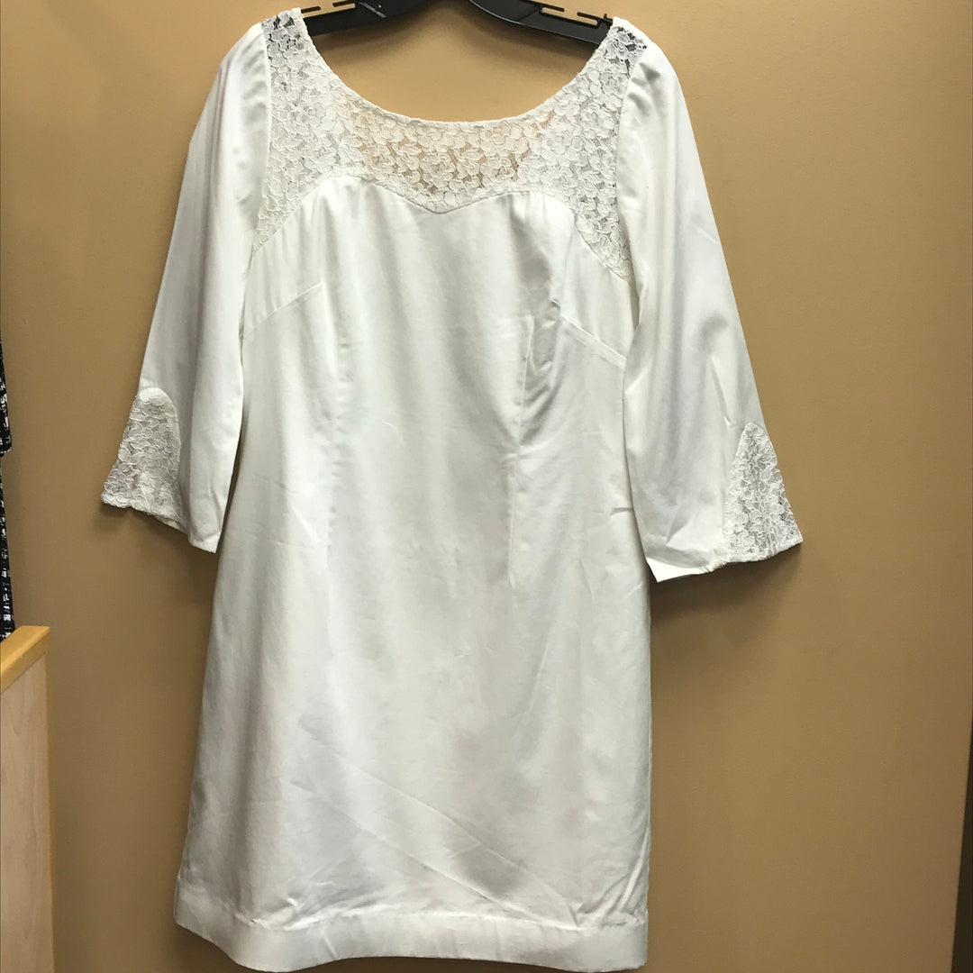 Primary Photo - BRAND: LILLY PULITZER <BR>STYLE: DRESS SHORT LONG SLEEVE <BR>COLOR: WHITE <BR>SIZE: 6 <BR>SKU: 239-23918-35148