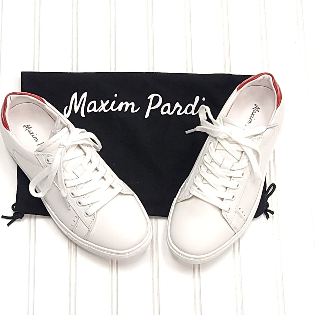 Primary Photo - BRAND:   CMC <BR>STYLE: SHOES ATHLETIC <BR>COLOR: WHITE <BR>SIZE: 6.5 <BR>OTHER INFO: MAXIM PARDI - NEW! KISS LOW TOP <BR>SKU: 239-23911-73249