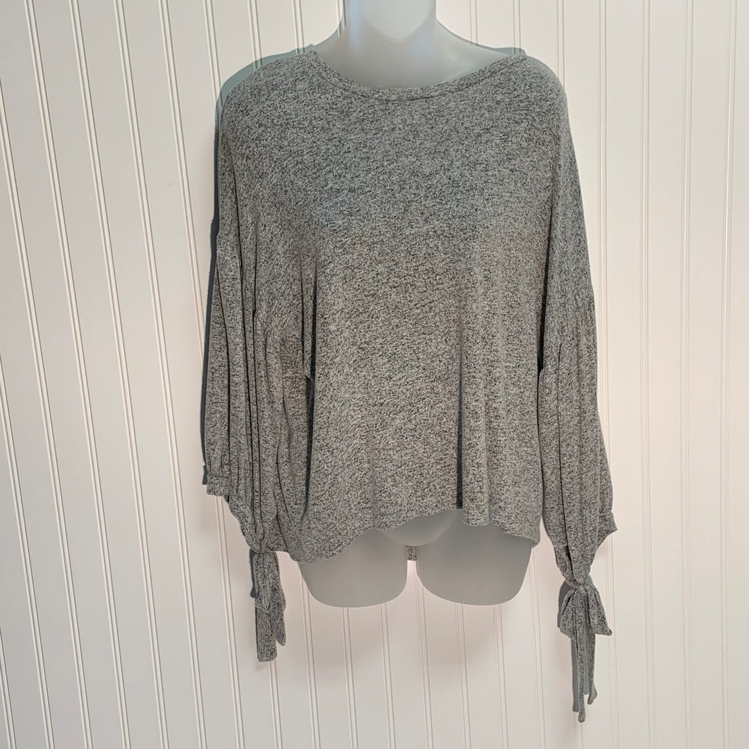 Primary Photo - BRAND: LUCKY BRAND <BR>STYLE: TOP LONG SLEEVE <BR>COLOR: GREY <BR>SIZE: M <BR>SKU: 239-23911-69628