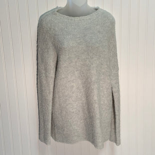 Primary Photo - BRAND: LORD AND TAYLOR STYLE: SWEATER HEAVYWEIGHT COLOR: GREY WHITE SIZE: M SKU: 239-23918-35435