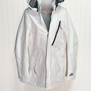 Primary Photo - BRAND: NIKE APPAREL STYLE: JACKET OUTDOOR COLOR: WHITE SIZE: XS SKU: 239-23918-37217