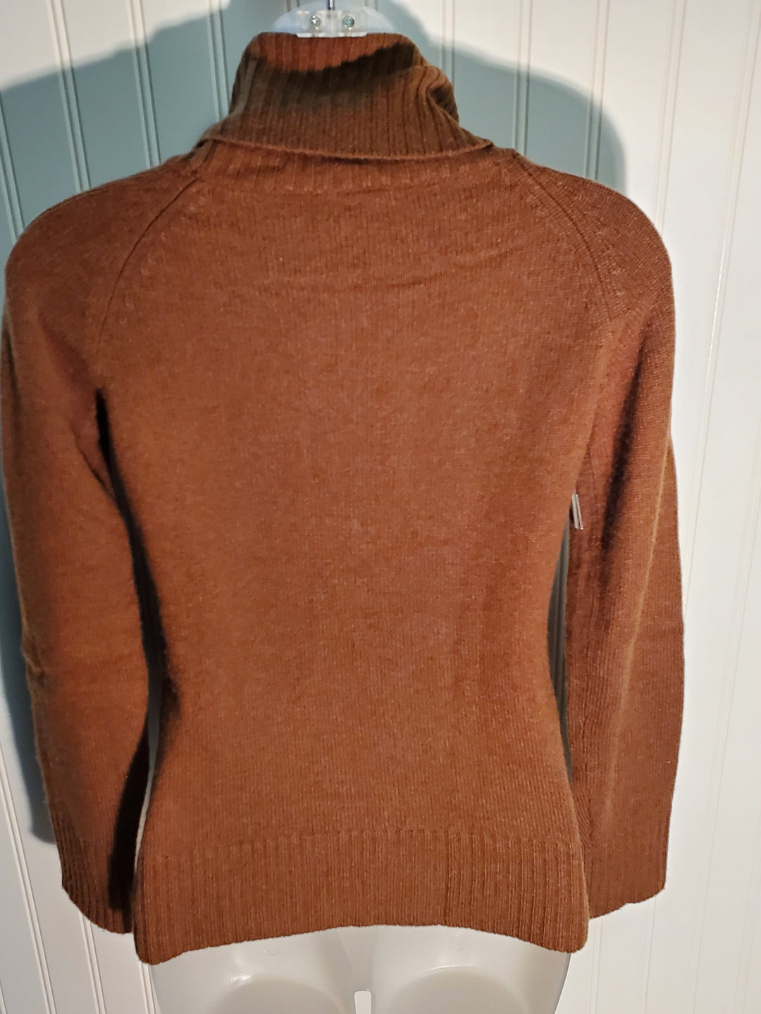 Photo #1 - BRAND: THEORY <BR>STYLE: SWEATER CASHMERE <BR>COLOR: BROWN <BR>SIZE: PETITE   SMALL <BR>SKU: 239-23918-36865