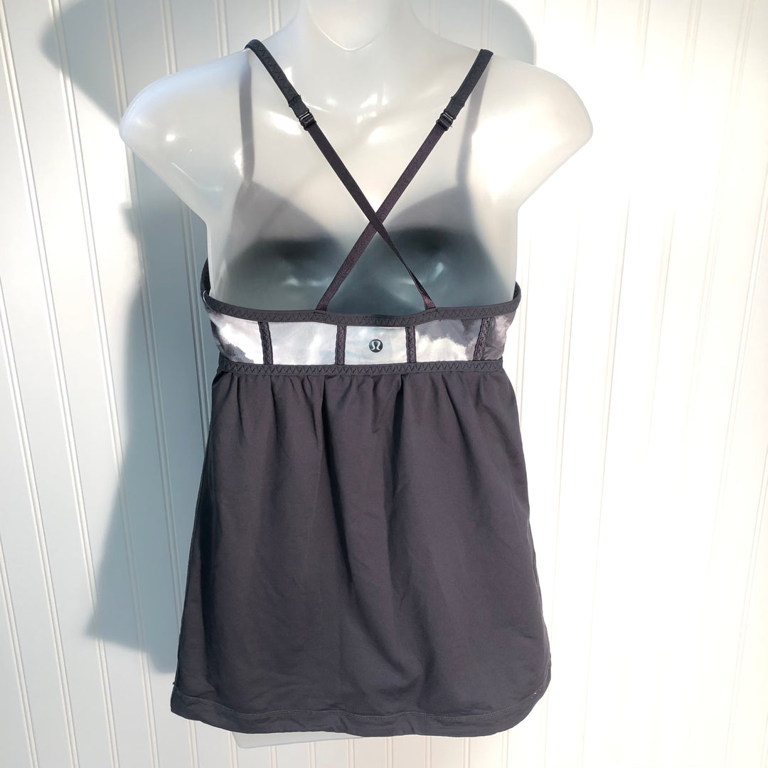 Photo #1 - BRAND: LULULEMON <BR>STYLE: ATHLETIC TANK TOP <BR>COLOR: GREY WHITE <BR>SIZE: 6 <BR>SKU: 239-23911-68156