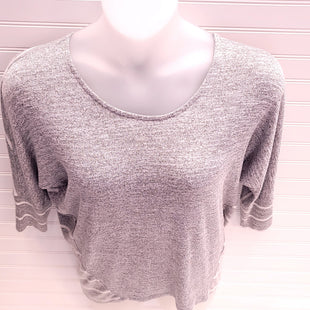Primary Photo - BRAND: MARKET & SPRUCE STYLE: TOP LONG SLEEVE COLOR: GREY WHITE SIZE: S SKU: 239-23911-74028