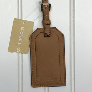 Primary Photo - BRAND: MICHAEL KORS STYLE: ACCESSORY TAG COLOR: BROWN OTHER INFO: JET SET TRAVEL LUGGAGE TAG SKU: 239-23911-73196