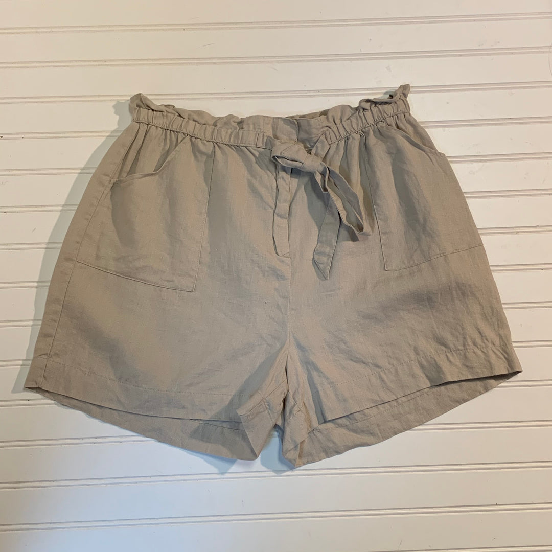 Primary Photo - BRAND: ST TROPEZ <BR>STYLE: SHORTS <BR>COLOR: LINEN <BR>SIZE: L <BR>SKU: 239-23918-37706