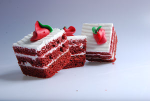 Red Velvet Cake Slice, Mini