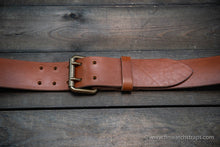 Load image into Gallery viewer, Belt (3,5-4 mm thick), Italian Leather. Handmade in Finland. Men's belt hand-made