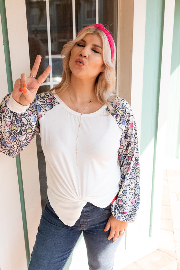 THE DISCO LOVER CONTRAST SLEEVE DOLMAN TOP