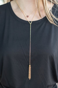 ON THE GO TASSEL NECKLACE