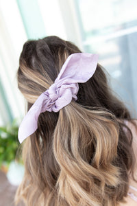 SPRING SILK KNOTTED HAIR SCRUNCHIE