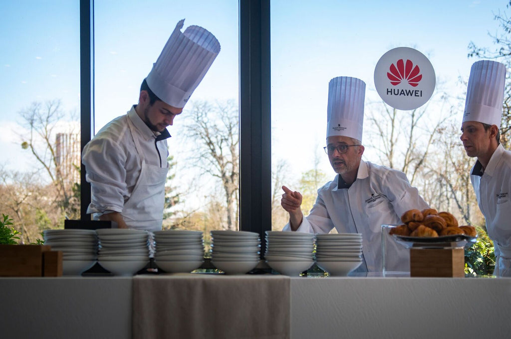 Shooting buffet Huawei