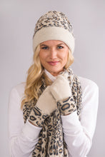 Load image into Gallery viewer, Reversible leopard hat