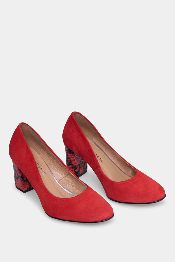 Red women pumps HOLLA