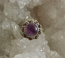 Load image into Gallery viewer, Silver Circular Amethyst Ring