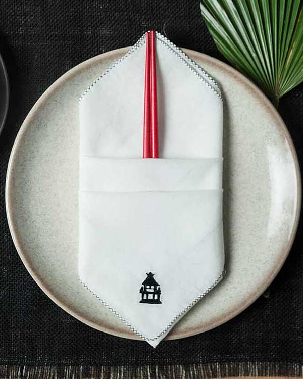Chin-Chin Pagoda Dinner Napkins (Set Of 6)