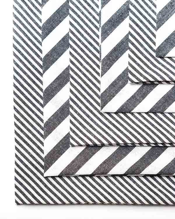Black & White Dinner Napkins (Set of 6)