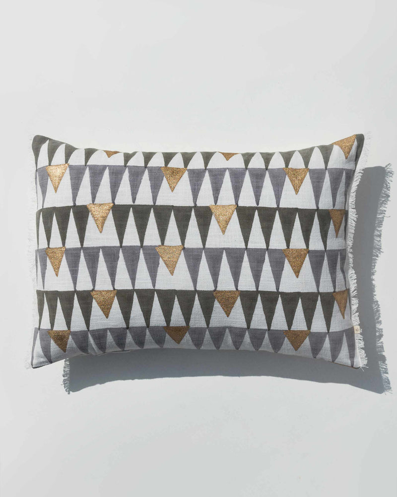 Galle Pillow