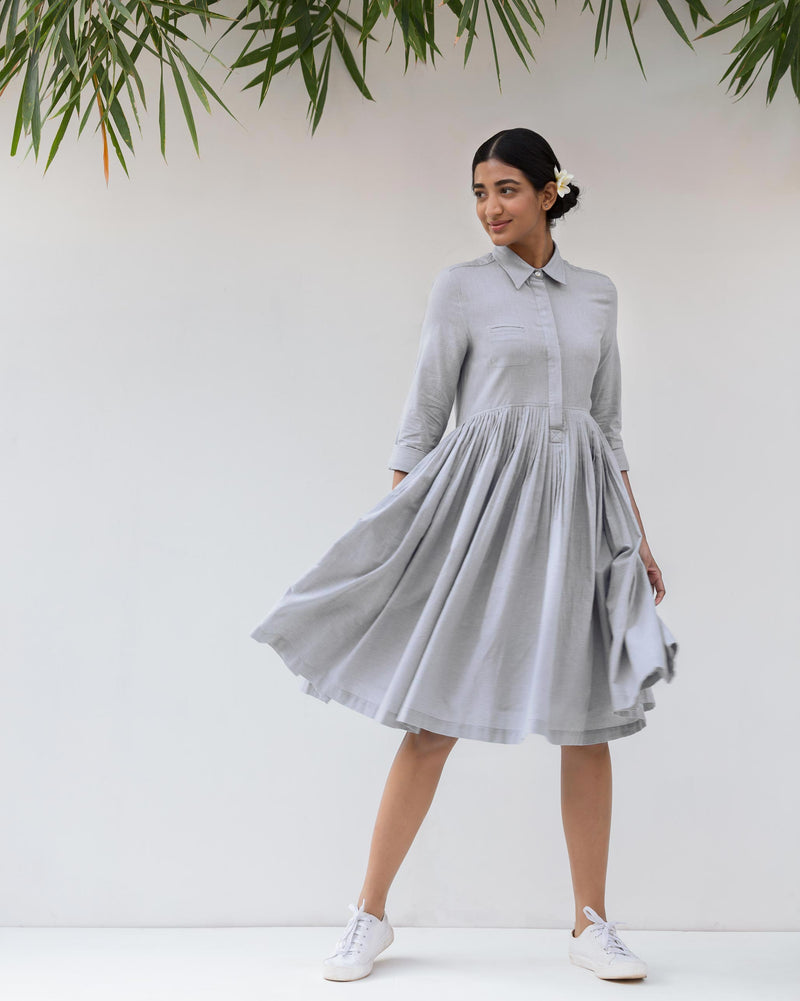 Pleated shirt dress - Grey