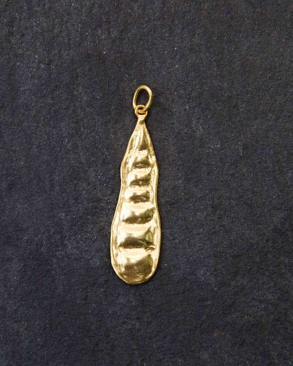 Seed pod charm - small