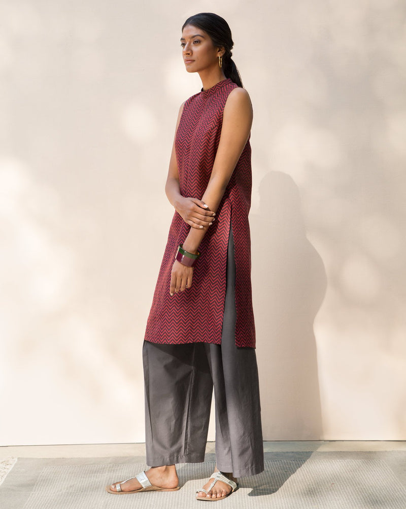 Sleeveless Band Collar Kurta