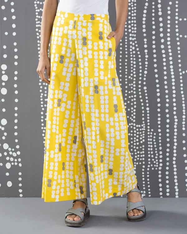 Basic Pyjamas - Yellow