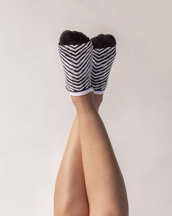 Chevron Stripe Socks - Black & White