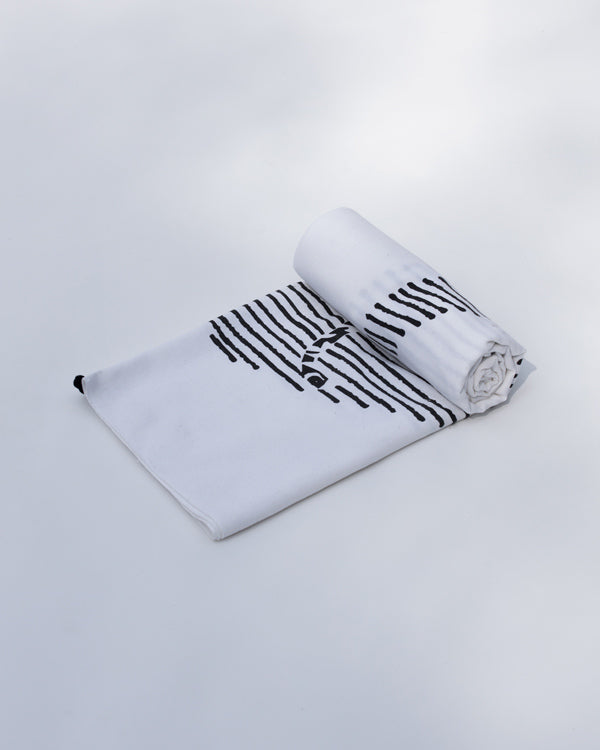 Halo Towel - White & Black