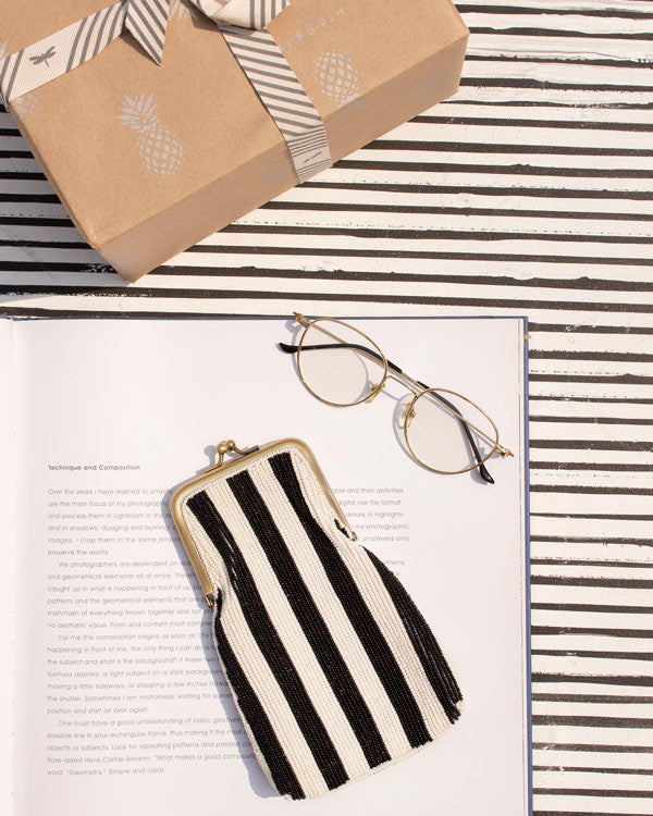 Hana Spectacle Stripe Case - Black & White