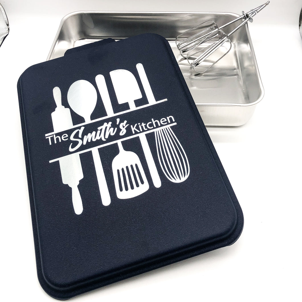 The FAMILY NAME Kitchen - Cake Pan