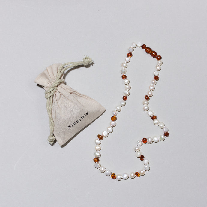 Pearly Caramel - Necklace