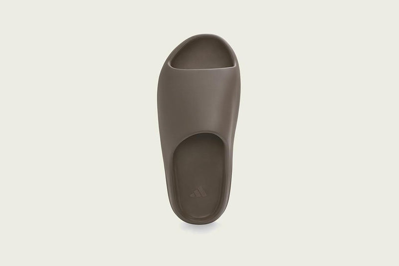 YEEZY SLIDE SOOT - The Edit Man London Online