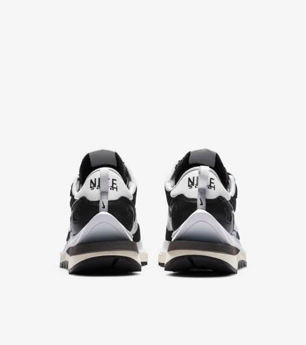 NIKE X SACAI VAPOR-WAFFLE BLACK/WHITE - The Edit Man London Online