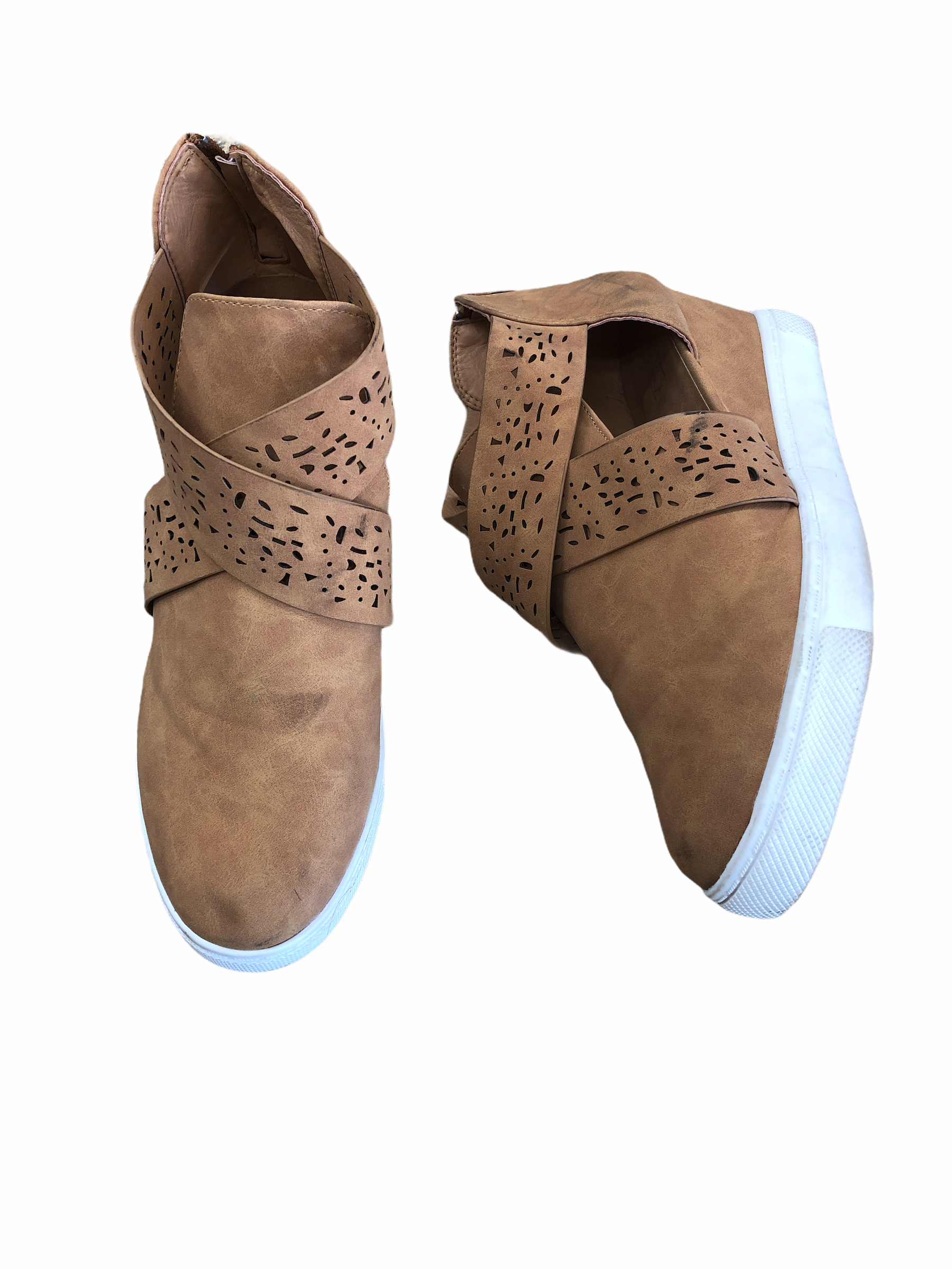 Primary Photo - brand:    clothes mentor , style: shoes athletic , color: tan , size: 9 , other info: yo ki - , sku: 267-26793-4788