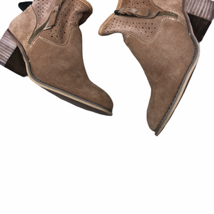 Primary Photo - BRAND: SEVEN 7 STYLE: BOOTS ANKLE COLOR: BROWN SIZE: 9.5 SKU: 267-26793-4963