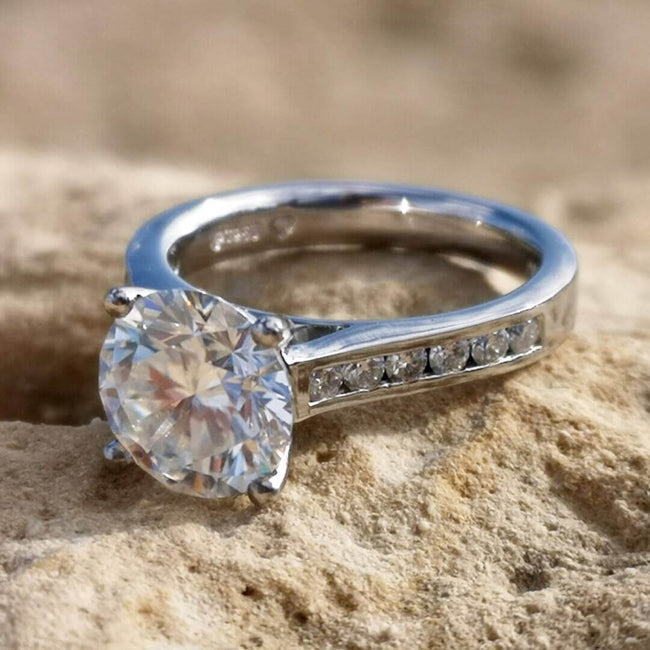 Platinum ring with moissanite EF/VVS1 - SOPHYGEMS
