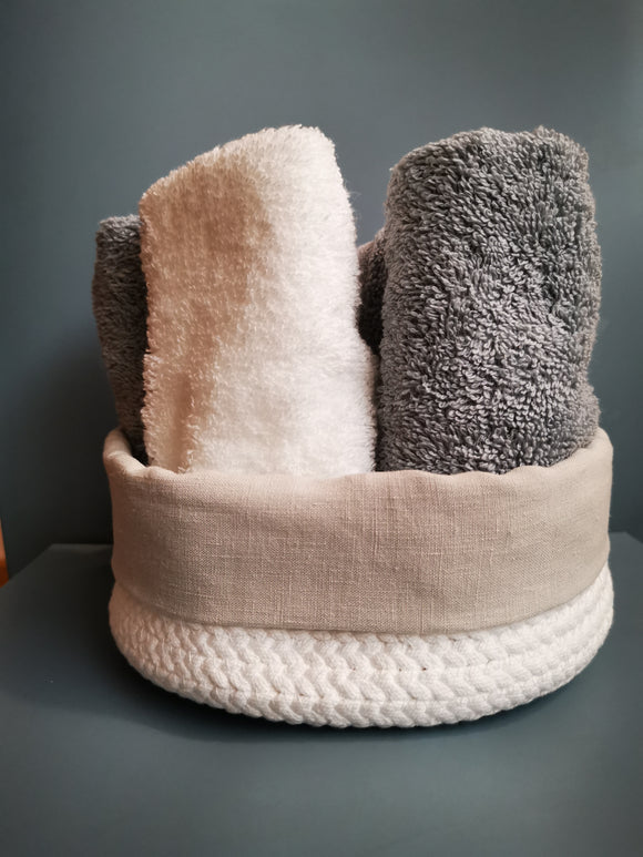 Handmade towel basket | Linen border | Upcycled braided fabric