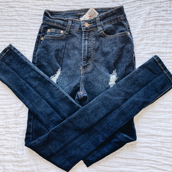 Fashion Nova Denim Size 5/6 (28)
