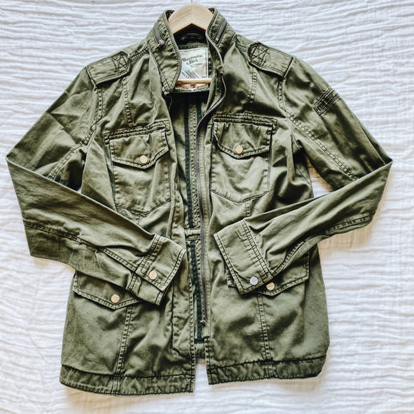 Abercrombie & Fitch Outerwear Size Medium