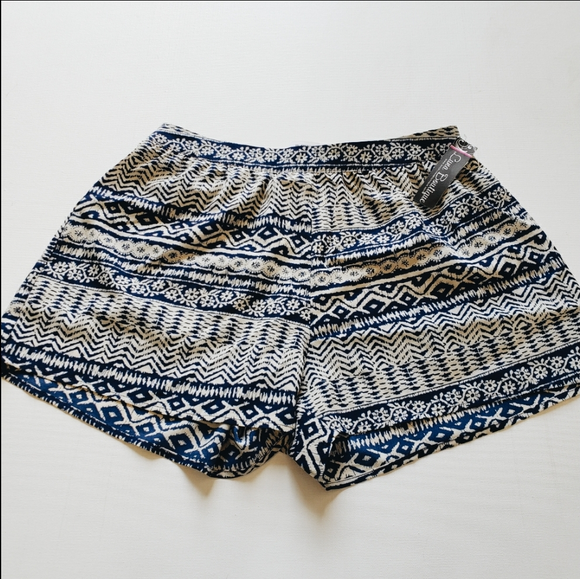 Blu Pepper Shorts Size Medium
