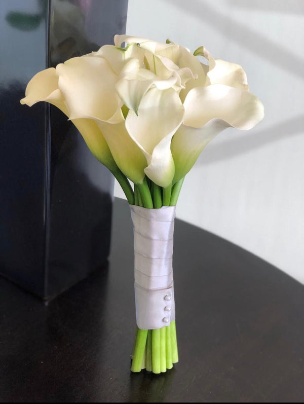 C5744 - Hand tied Bouquet