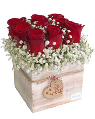 C6215 - Red roses wooden box