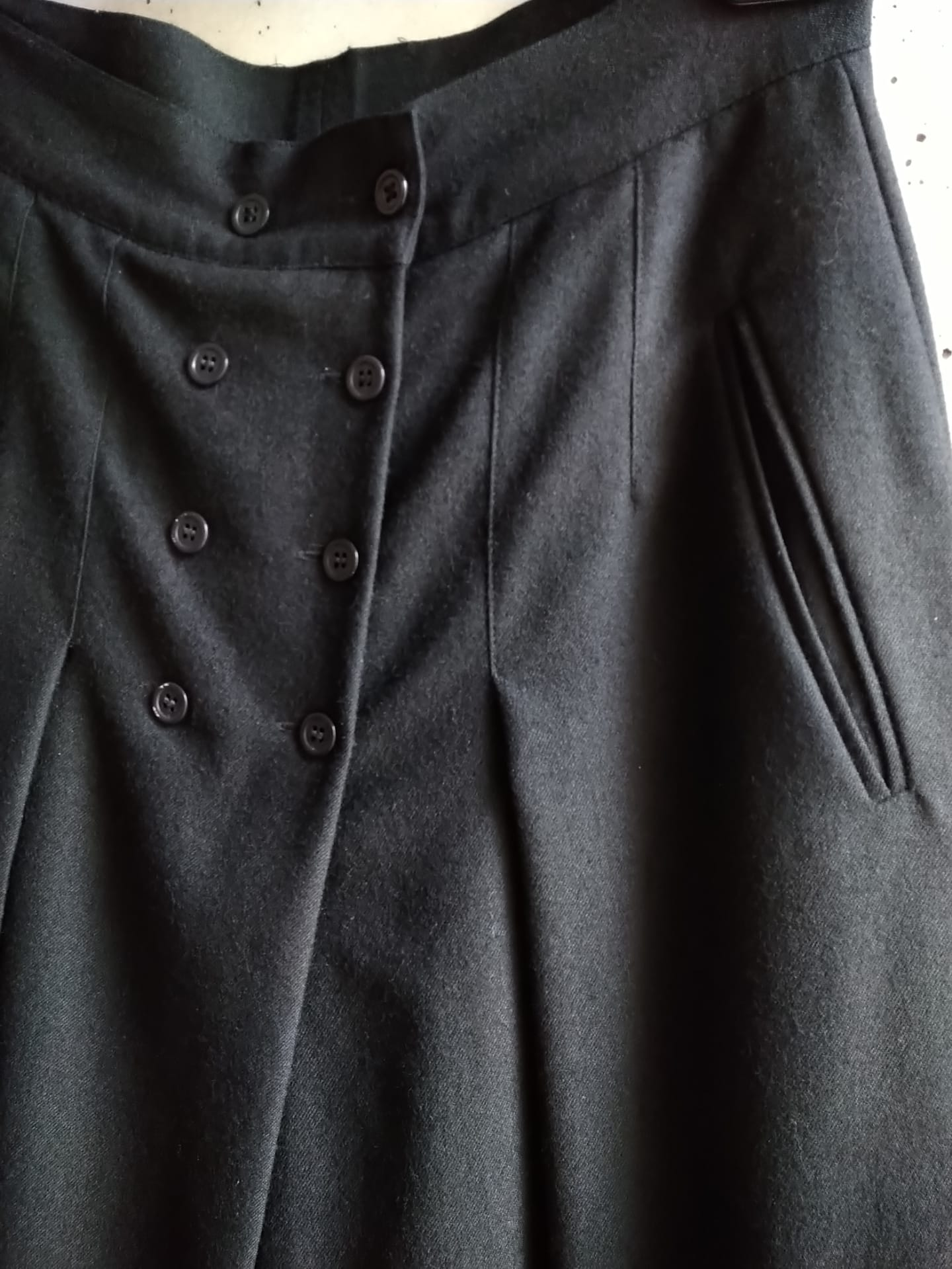 Mondi black wool divided skirt