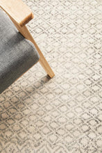 Load image into Gallery viewer, Evoke Diamond Grey Transitional Round Rug
